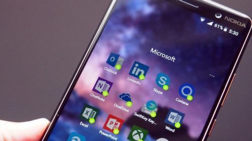 Nhờ ngã rẽ mang tên Android và iOS, Microsoft đã gặt hái được thành công ngoài mong đợi với mảng dịch vụ
