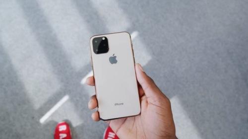 """iPhone mới còn chưa ra mắt, Apple đã gặp """"sóng gió"""" tại Trung Quốc"""