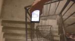 YouTuber kiểm chứng độ bền của Galaxy Note 10 bằng bài thử nghiệm thả rơi Galaxy Note 10 từ cầu thang cao gần 100 mét