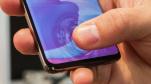 Lỗi dùng miếng dán rẻ tiền hack vân tay siêu âm trên Galaxy S10/Note10 sẽ được khắc phục bằng update phần mềm