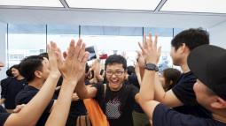 """10 """"mánh lới"""" bán hàng bậc thầy của Apple: Đọc xong mới biết vì sao Apple lại thành công đến vậy"""