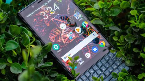 Ngược dòng thời gian: Sự trỗi dậy và sụp đổ của đế chế BlackBerry