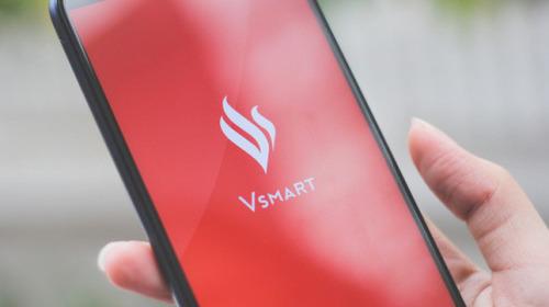 Vsmart Lux: Chỉ cần tồn tại thôi đã là một thành tựu lớn