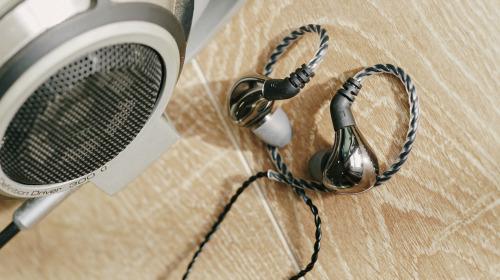 """Đánh giá chi tiết tai nghe 'hiện tượng giá rẻ"""" Blon BL-03: Có tốt như lời đồn?"""