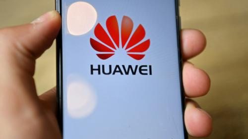 Các đòn trừng phạt của Mỹ đang từ từ bóp nghẹt smartphone Huawei như thế nào?