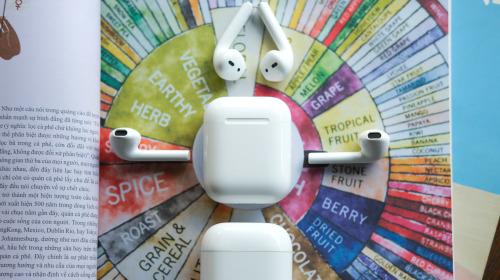 Trên tay tai nghe không dây Realme Buds Air Neo: Thoạt nhìn tưởng AirPods, có điều giá chưa đến 2 triệu đồng