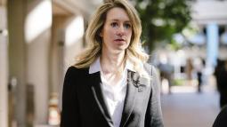 Nữ CEO xinh đẹp của startup xét nghiệm máu 'cú lừa thế kỷ' tự nhận 'mắc bệnh tâm lý' nhằm kháng án