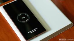 Đế sạc không dây với cuộn cảm di chuyển của Xiaomi: thực sự hữu dụng hay chiêu trò quảng cáo