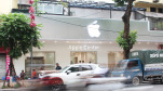 Chưa kịp khai trương, cửa hàng Apple Center đã buộc phải gỡ logo 'táo khuyết'