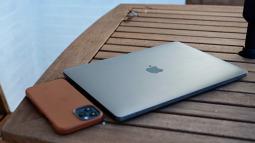 """Không phải iPhone 12, những chiếc Mac M1 mới xứng đáng là """"One More Thing"""" của Apple trong năm nay"""