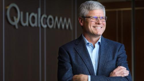 CEO Qualcomm từ chức sau chiến tranh với Apple
