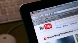 YouTube: Đế chế video trăm tỷ 'đô' bắt đầu từ một nền tảng hẹn hò thất bại thảm hại