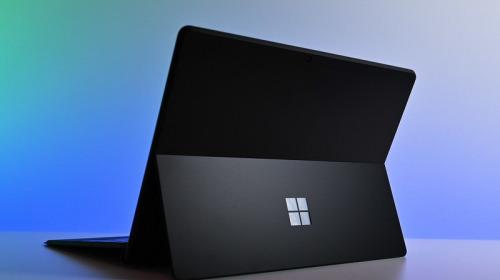 """Microsoft nộp bằng sáng chế """"chế độ máy bay"""" nhằm bảo vệ thiết kế Surface Pro trước vấn nạn sao chép không xin phép"""