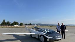 """Thử nghiệm thành công ô tô bay: mất 3 phút để """"biến hình"""" giữa hai dạng, bay được liên tục trong 35 phút, tốc độ 190 km/h"""