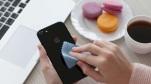 """Đây là cách Apple chỉ người dùng vệ sinh iPhone, AirPods và Macbook cho """"đúng chuẩn Táo"""""""