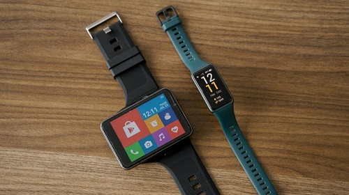 """Trên tay Lokmat Appllp Max: Smartwatch """"siêu to khổng lồ"""" chạy Android, có 4G, cấu hình """"ngon"""", đánh game phà phà"""